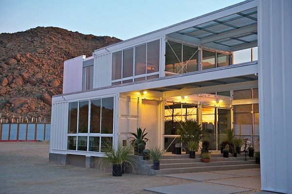 54-First-Shipping-Container-House-in-Mojave-Desert