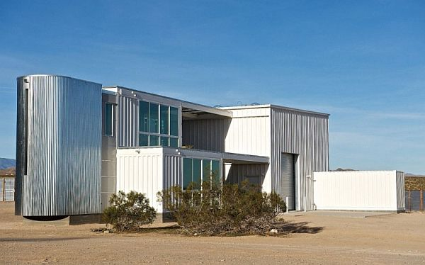 59-First-Shipping-Container-House-in-Mojave-Desert